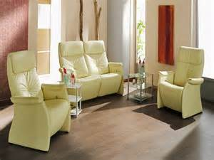 Sofa For Small Living Room by How To Find Small Sofas For Small Rooms