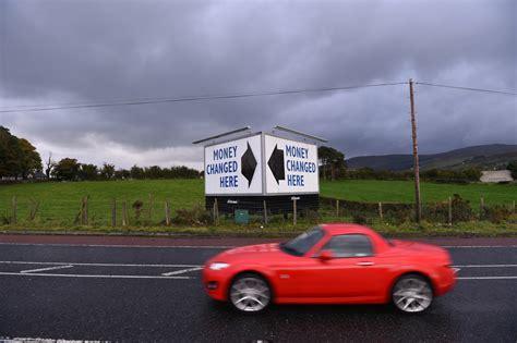 newry bureau de change l irlande du nord trouble les cartes du brexit la croix