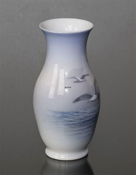 royal copenhagen vases vase with seagulls royal copenhagen no 1138757 alt