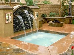 Swimming pool spas hgtv for Swimming pool and spa design
