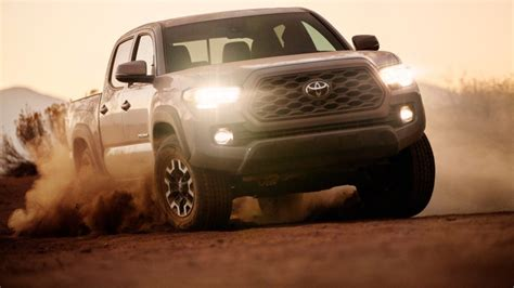 toyota tacoma   small facelift  torque report