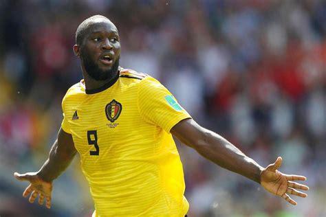 /ˈroːmeːlu luˈkaːku/), es un futbolista belga que juega como delantero en el inter de milán de la serie a de italia y en la selección de fútbol de bélgica. Chi è Romelu Lukaku: stipendio e vita privata del calciatore