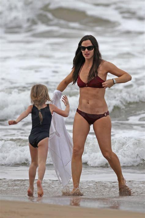 Pictures of Jennifer Garner in a Bikini | POPSUGAR ...