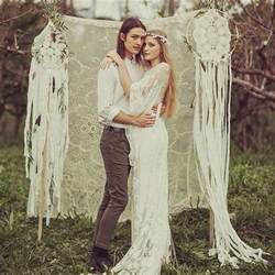 robe mariage boheme 30 dreamcatchers boho wedding decor ideas deer pearl flowers
