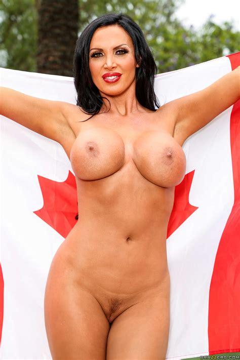 Arousing Nikki Shows Her Big Bosom Outdoor Photos Nikki Benz Keiran Lee Milf Fox