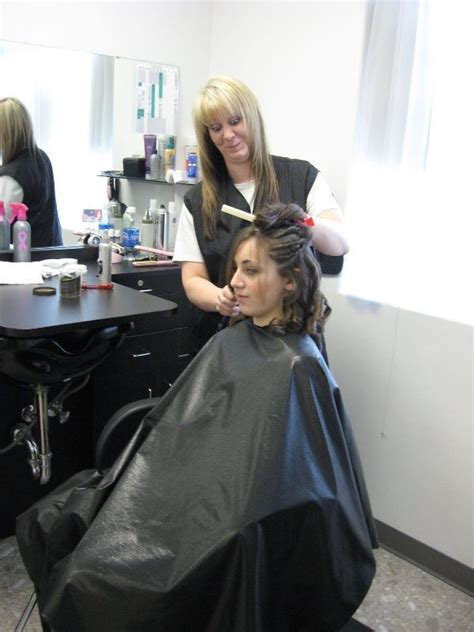 Black Shiny Cape  Like It  Hairsalon Pics
