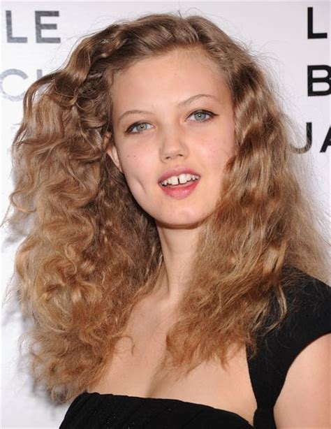 lindsey wixson messy curls hairstyles popular haircuts