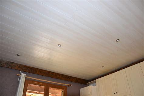 faire un plafond en lambris pvc plafond en lambris pvc pour cuisine gconcept r