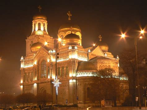 file cathedral at christmas in varna bulgaria jpg