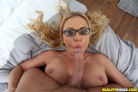 Naughty Milf Cutie Briana Banks Gets Her Sweet Tiny Pussy