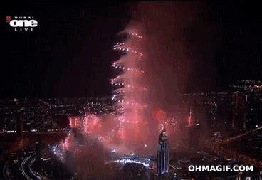 burj khalifa dubai fireworks gif find  gifer