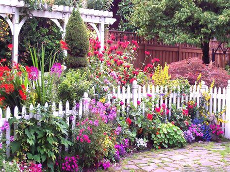 Free Garden Image by Images Free Wallpaper Gardens Wallpapersafari