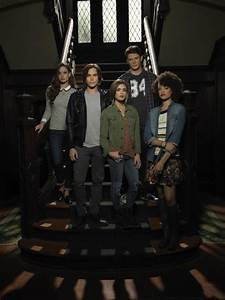 Ravenswood Premieres Tonight On ABC Family