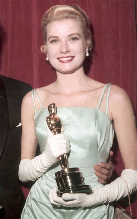 Grace Kelly Received The Oscar For Best Actress