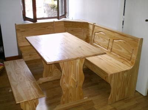 banc d angle en bois avec table et banc simple http