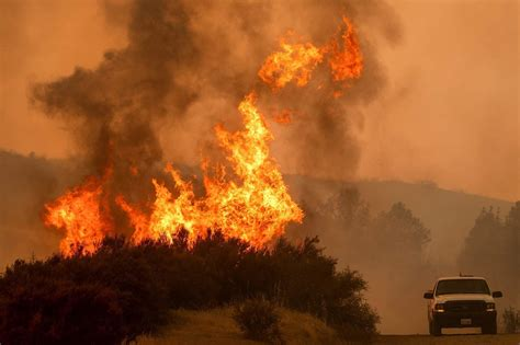 Read breaking news on current fires spreading in northern california and around the state. Northern California fires now largest in state history and ...