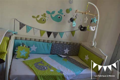 chambre vert anis décoration chambre enfant bébé baleine anis turquoise gris