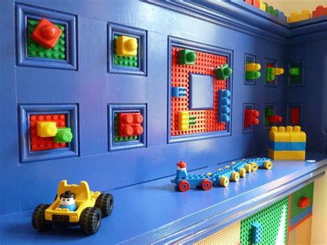 wel gaaf om een lego duplo muur te maken op de