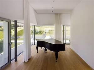 Haus Unter Straßenniveau : solit r am hang freistehende villa einfamilienhaus ~ Lizthompson.info Haus und Dekorationen