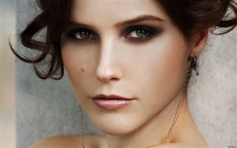 Sophia Bush Hd Wallpaper Background Image 1920x1200