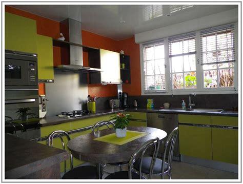 entreprise de cuisine peinture de cuisine chambre bebe gris et corail couleur