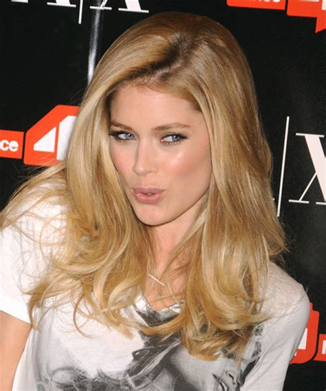 doutzen kroes casual long straight hairstyle blonde hair