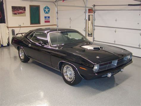 bringing     classic muscle cars
