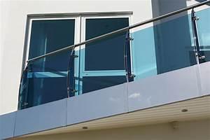 Balkon Windschutz Durchsichtig : windschutz f r den balkon es geht auch transparent ~ Markanthonyermac.com Haus und Dekorationen