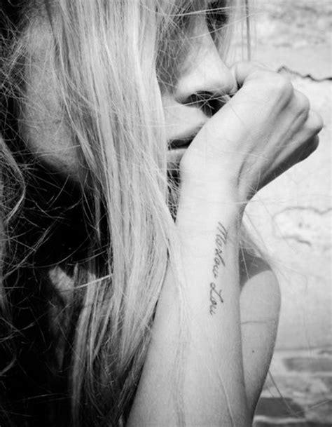 tatouage phrase sur lavant bras  jolis messages  se