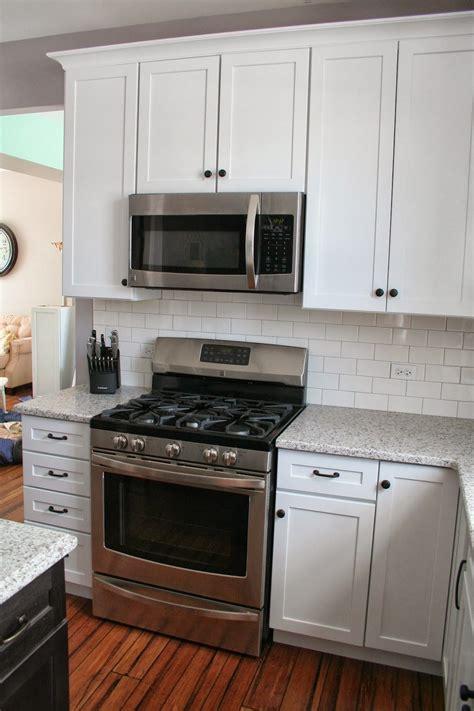 soft white kitchen cabinets white shaker cabinets with restoration hardware dakota 5591