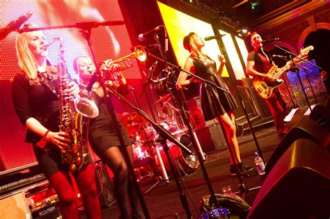 wedding bands  cambridgeshire party function band hire