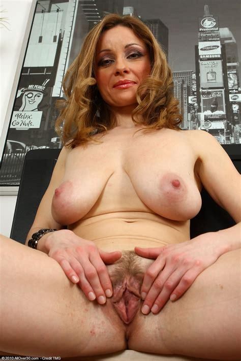 Natural Hairy Moms Pics Pic Of