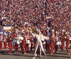 Carol Channing leads the way at the 1970 Super Bowl ...