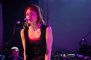 """WATCH: Fiona Apple Releases New Video for Song """"Hot Knife ..."""