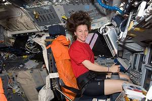 How Women Can Deal With Their Periods In Space | IFLScience