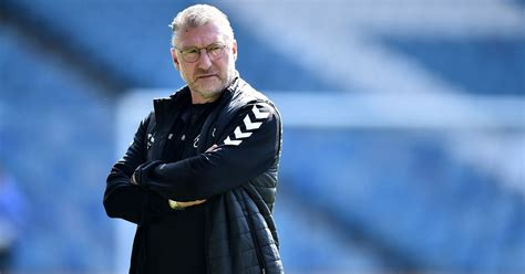 Bristol City manager Nigel Pearson holds talks with ...