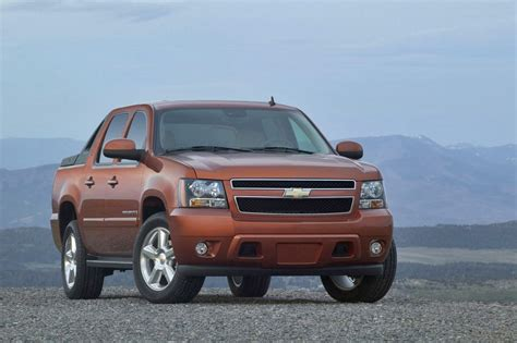 2012 Chevrolet Avalanche Review, Specs, Pictures, Price & Mpg