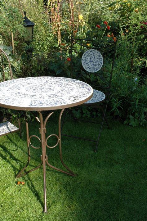 Keramikas galds ar krēsliem | Cerise