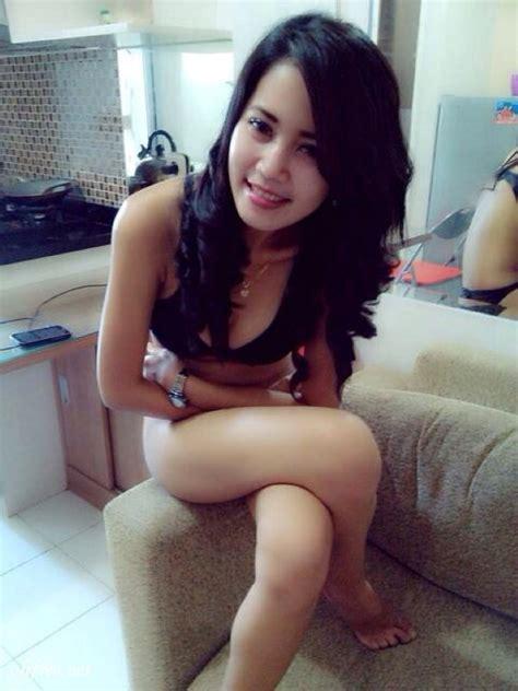 Hot Malay Girl In Black Panty