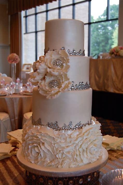 Classic Ruffle Wedding Cake In 2019 Wedding Cakes