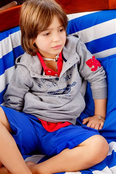 numa loja lanidor kids ou em lanidor com in lanidor kids stores or at lanidor com