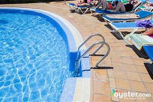 The Pool at the Revoli Aparthotel Oyster com Hotel Reviews