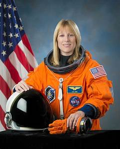 Hot Women Astronauts - Pics about space