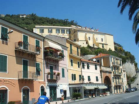 noli il centro storico liguria italia centri storici
