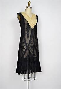 Vintage 1920s clothes