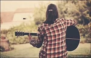 Pics For > Sad Girl With Guitar Wallpaper