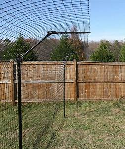 46 best cat proof gardens fencing containment systems for Dog fence enclosure