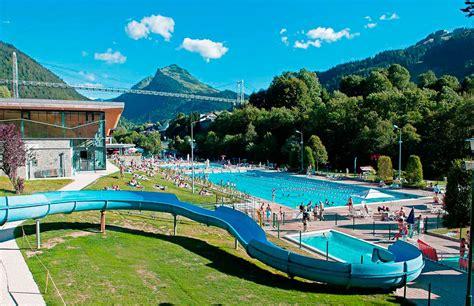 Morzine Swimming Pool | Custom Breaks