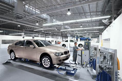 Bmw Service Centres by World S M Showroom Opens Service Centre For Bmw
