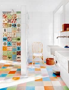 quelques idees pour le carrelage salle de bain en couleur With carrelage salle de bain enfant